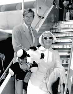 Dorothy Squires and Roger Moore.JPG-pwrt3